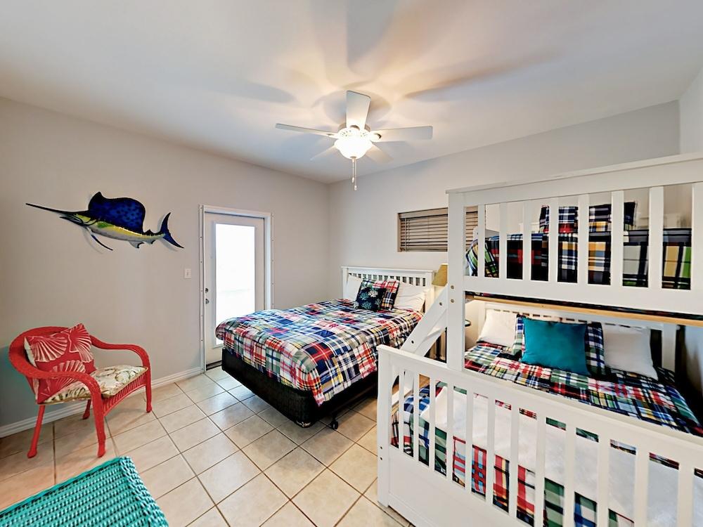 Sunny Beach In Port A 2 Bedroom Duplex Corpus Christi Usa Best Price Guarantee Lastminute Com Au
