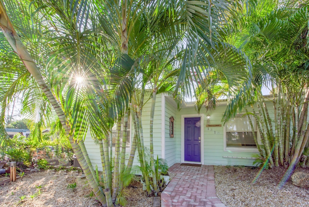 Wilton Manors House by RedAwning, Fort Lauderdale: Room ...