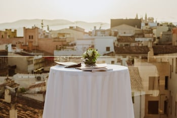 Bala Roja, 07001 Palma, Majorca, Spain.