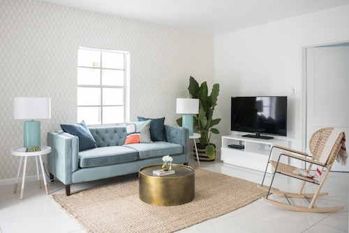 Chic 1BR in Miami River Inn by Sonder