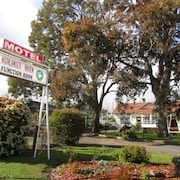 Highlander Haven Motel