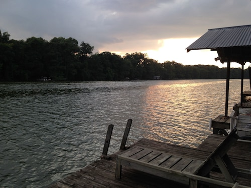 The Fish Camp: 4 Bedroom Lake House Sleeps 12 on Lake Providence With Dock