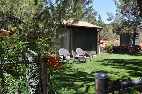 Charming Studio, In The Heart Of Red Rock Country, Idyllic Tranquil Setting,