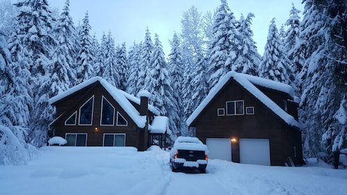 Cozy Studio Apartment Near Crystal Mtn Ski Resort & Mt Rainier National Park