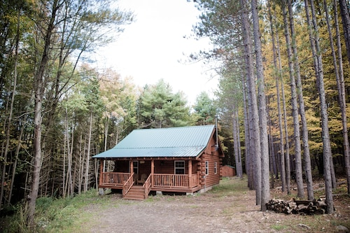 Secluded NEW Built LOG Cabin! Peaceful,near Cooperstown, & Dreams Park Baseball