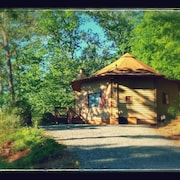Rainbow Mountain Retreat, Hot Tub, Mountain View, Pet Friendly, High Speed Wifi