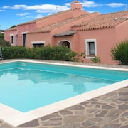 Exclusive Villa Iris With Private Garden and Pool, 5 p. the