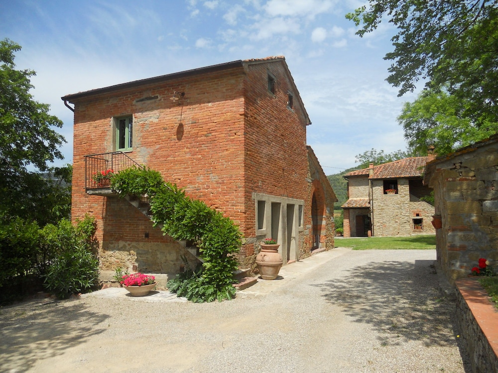 Exterior, Charming Cottage With Pool, Nestled in the Heart of Val Di Chiana