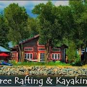 Riverside Meadows Guest Cabin on the Rio Grande - Free Kayaking and Rafting