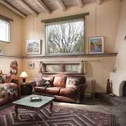 1 Block From Taos Plaza - Guest House Surrounded by Museums & Galleries