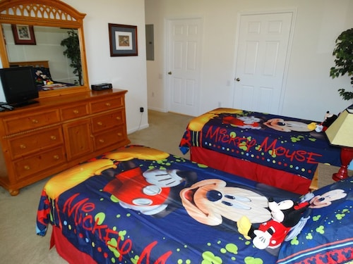 Windsor Hills 3 Bedroom Disney Condo!
