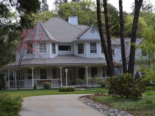 Great Place to stay Beautiful Victorian Farm House With Pool, Located Within A Private Community near Grass Valley