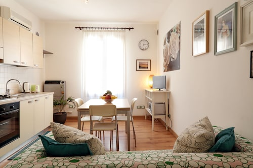Padua OLD Town Verde Apartment 2 Steps From Piazza Erbe & Duomo Wifi AC
