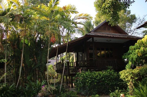 Baan Rimnam Resort Uttaradit