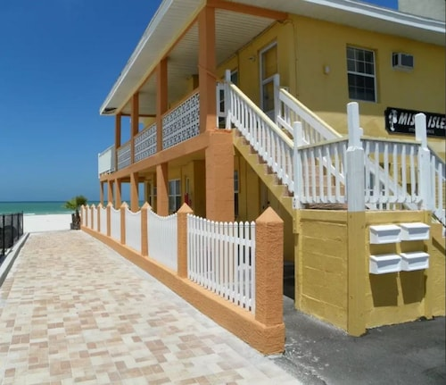 Misty Isles Vacation Rentals by TechTravel