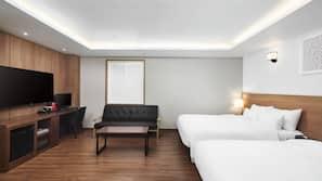 高級寢具、房內夾萬、書桌、隔音