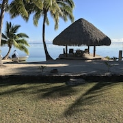 Moorea Sunset Beachfront Villa - Polynesian Luxury Villa