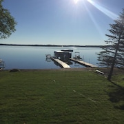 Lake Front Cabin On Sturgeon Lake! Amazing Sandy Beach for Swimming!