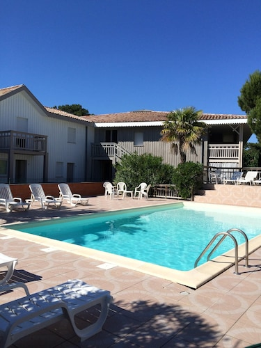 Duplex With Terrace And Swimming Pool 50m From The Arcachon Basin