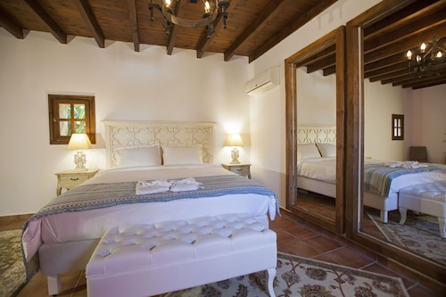Saint Artemios Boutique Hotel