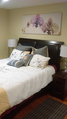 Private Studio Nr. San Francisco & SFO Queen Bed Kitchen Jacuzzi Laundry