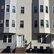 Entire Luxurious Private 2bd Apartment/condo Near Airport Train Station Boston