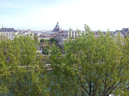 Beautiful View ON ILE Saint-louis