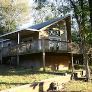 River Front Cabin On Kings River With Room For Your Horses