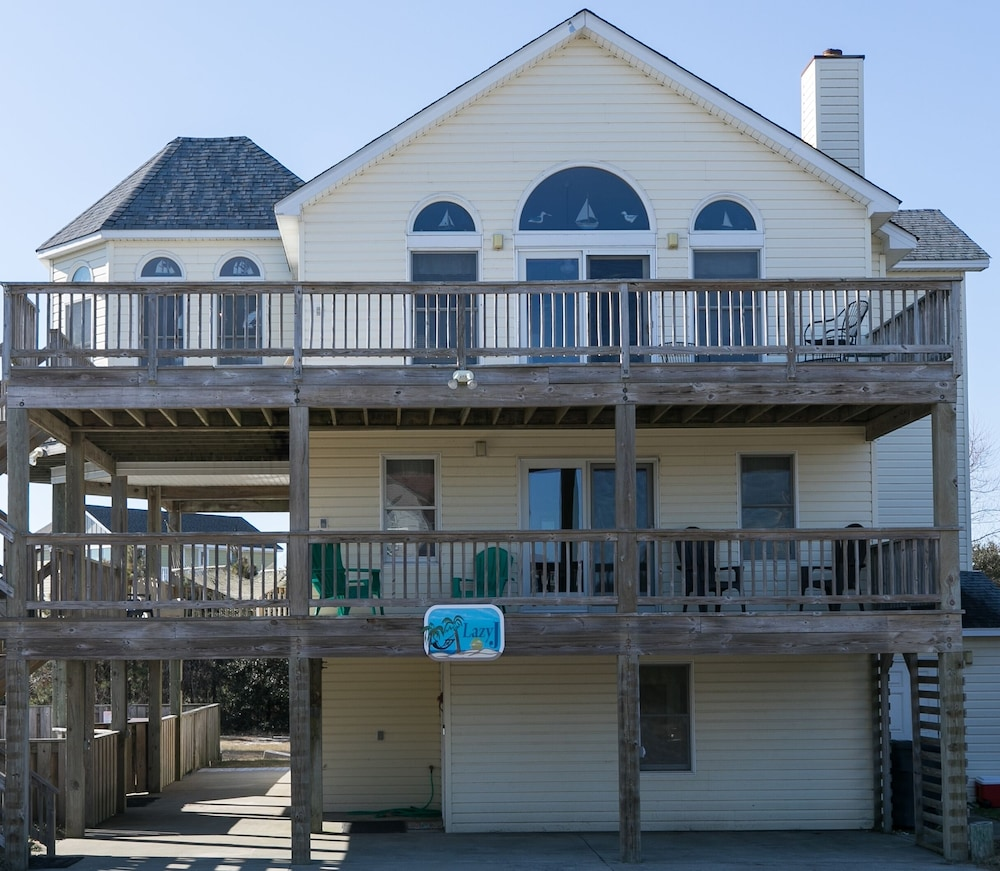 Relax at Lazy J: Pool, Hot Tub, Keyless Entry, Towels, and Linens ...