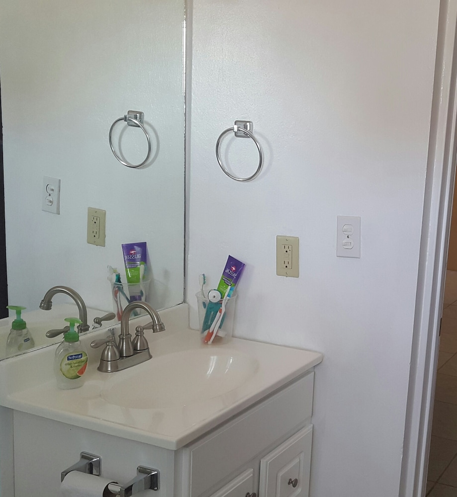 Bathroom, RED Clover With A CAR Spacious Clean House Very Close TO THE Beach