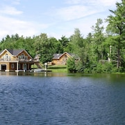 Lake Joseph, Muskoka - 7 Bedroom Family Cottage - Quiet Bay. Gorgeous Setting