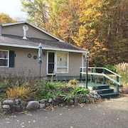 1,000 sq ft 2-bedroom Home, Adjacent to Glacial Hills Trails