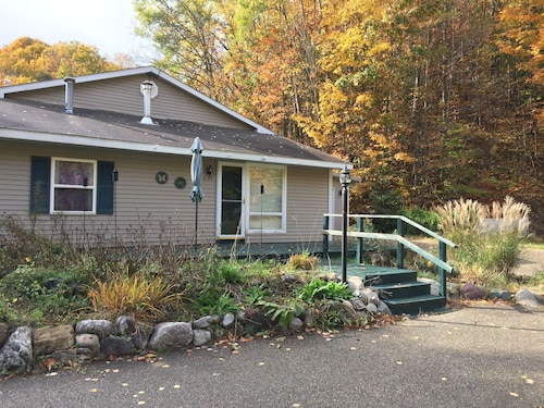 1 000 Sq Ft 2 Bedroom Home Adjacent To Glacial Hills Trails