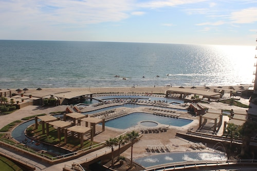 Beautiful Luxury 2bed/2bath Oceanview Condo in Phase II of Las Palomas-renovated