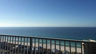 This is Your Balcony View! Private Beach access, 5 pools, wifi & Fitness Center