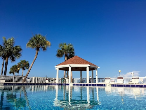 Great Place to stay Private Condo in Gated Community, 2 Pools, Minutes From Downtown and Beaches near St Petersburg