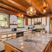 Permitted Charming LOG House in Real Upcountry Maui. Magical and Peaceful!