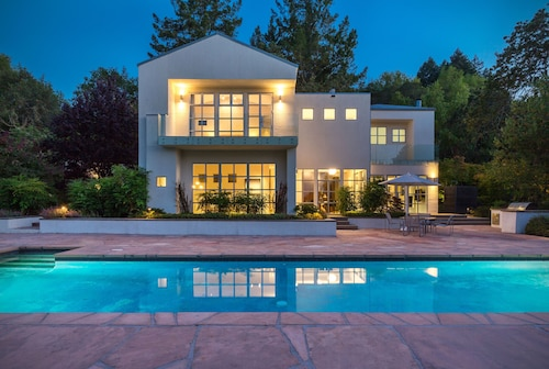 Stunning Contemporary Country Retreat Near Glen Ellen
