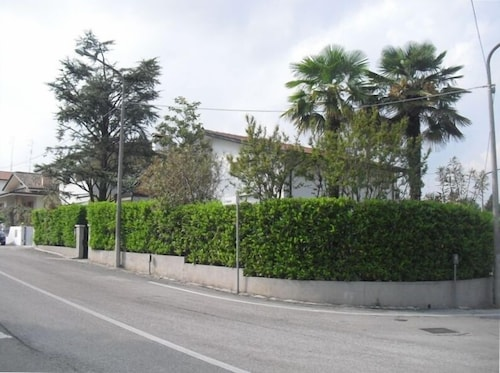 Single House in Pordenone With Garden Near Venice