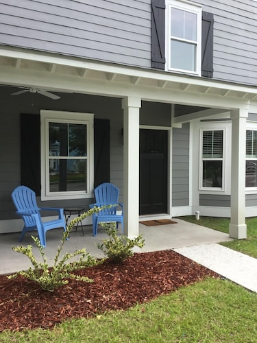 Great Place to stay Luxury Townhome in Old Town Bluffton near Bluffton