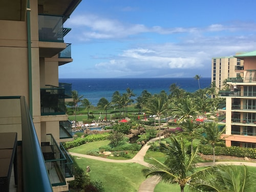 Huge, Gorgeous 6th Floor Hokulani With Amazing Ocean & Mountain Views