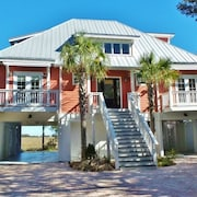 Luxury Home in Gated Harbor Island w/ Amazing Ocean/marsh Views + Golf Cart Use