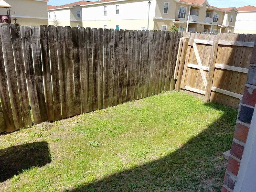 Property Grounds, Upscale Beach Vacation. Walk to the beach/pool. Close to area attractions!