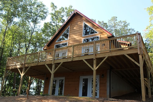 Stone Mountain Sanctuary - Blue Ridge Luxury Cabin With Great Views!