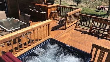 Riverside Cabin W/ Hot Tub Near Fly Fishing And Hot Springs