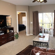 You're Always at Home Away From Home At Holiday Hills Golf Resort Condo-no Stai