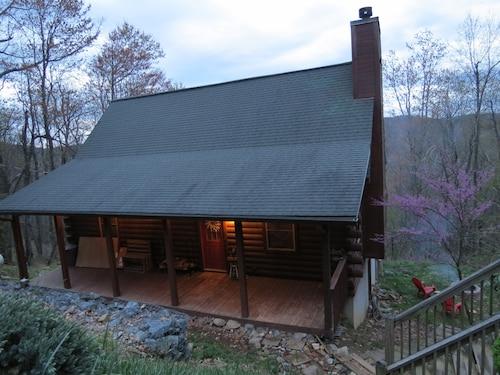 New Listing Cozy Ski Mountain Cabin Ing Rock N C Hot Tub