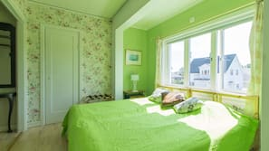 3 sovrum, skrivbord, mörkläggningsgardiner och strykjärn/strykbräda