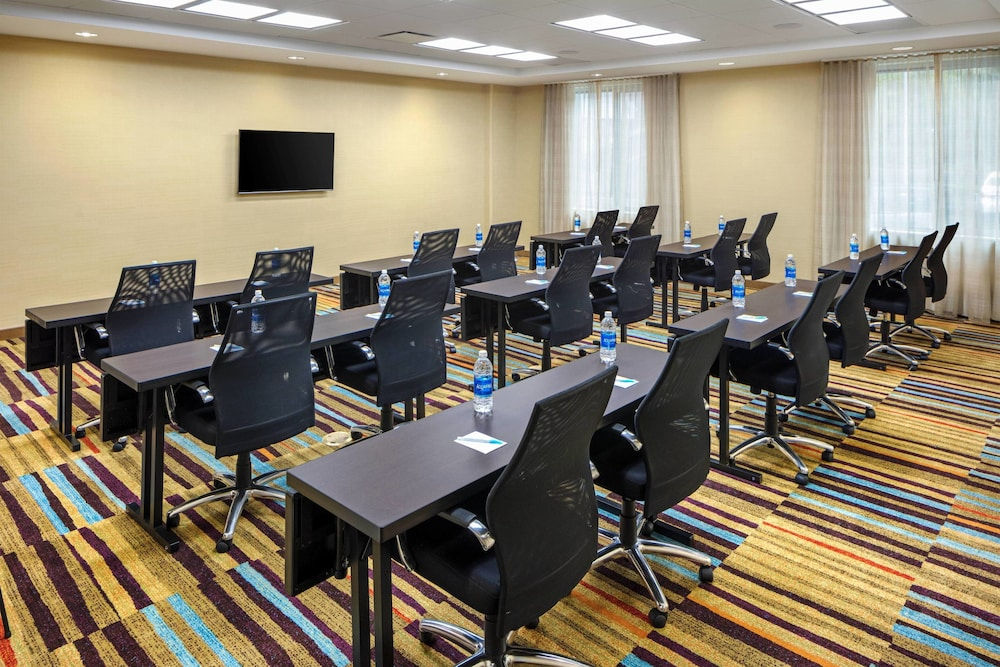 Meeting Facility, Fairfield Inn & Suites by Marriott North Bergen
