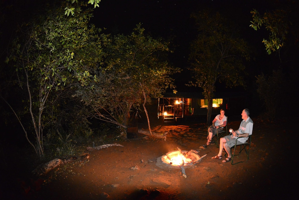 Outdoor Dining, Mutale Falls Safari Camp